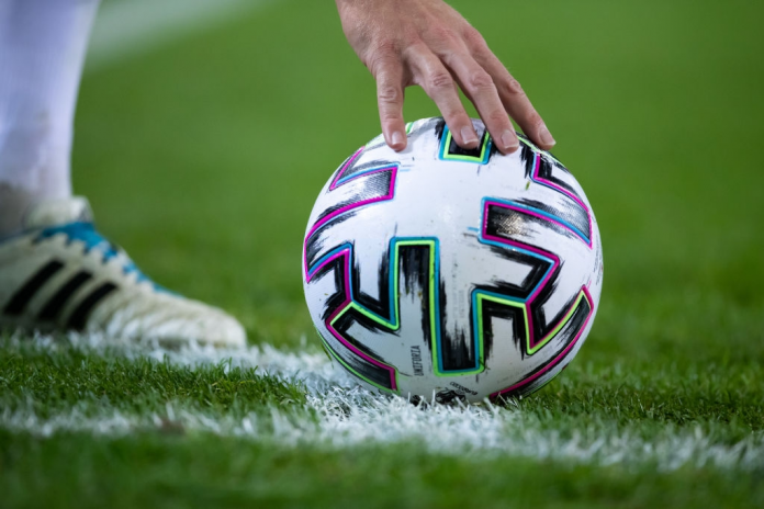 uniforia bola resmi euro 2022